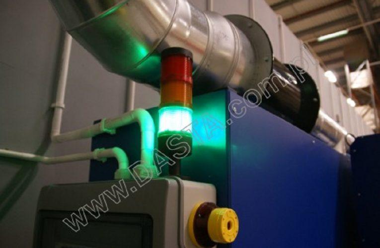 Bezpieczne ładowanie akumulatorów do wózków widłowych.